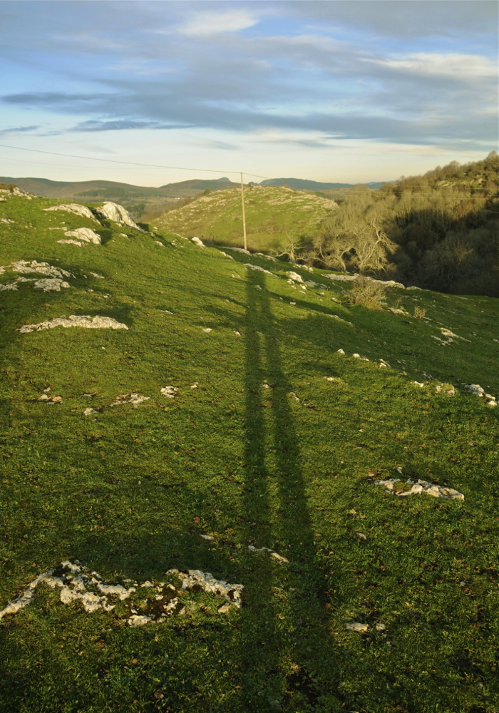 Argazkilariaren itzal luzea (The long shadow of the photographer)