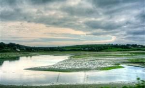 Urdin. Ura eta lainoak (Water and clouds)