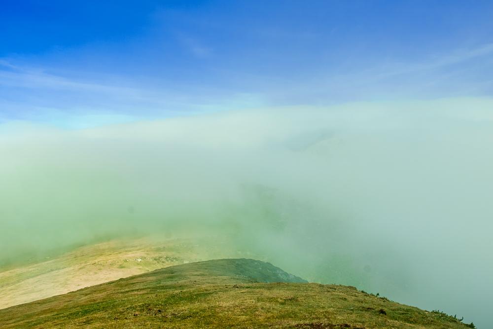 Lanbroa gailurran (Fog in the summit)
