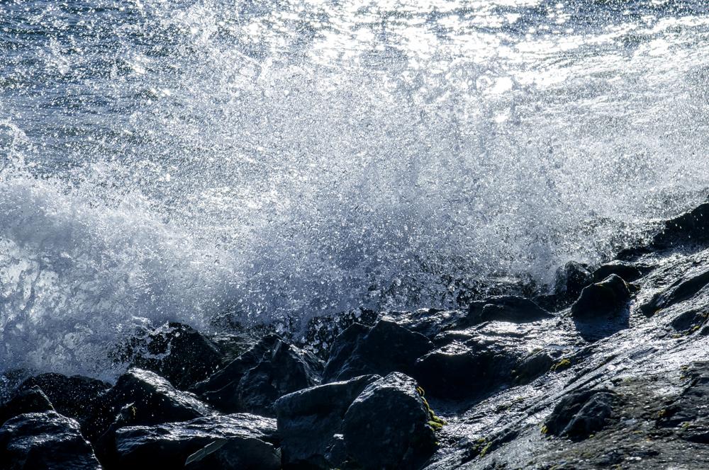 Olatua eta harria (Wave and stone)